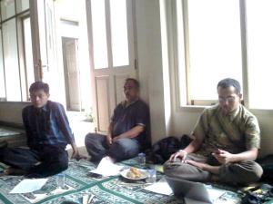 Haji (depan) Bid. Sosek PW. Pemuda Persis jabar